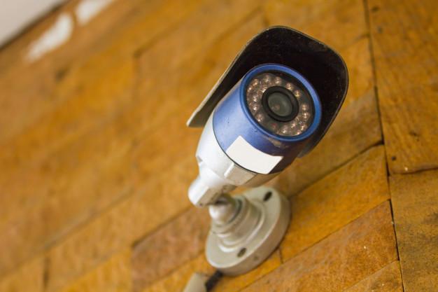 Quando fazer a manutenção do sistema de segurança do condomínio?